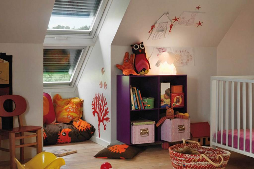 Eine Außenbeschattung der Fenster schützt am besten gegen Sonneneinstrahlung. Foto: Velux