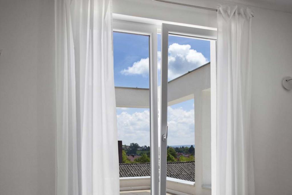 "Kunststoff-Fenster im Farbton ""Edelweiss"""
