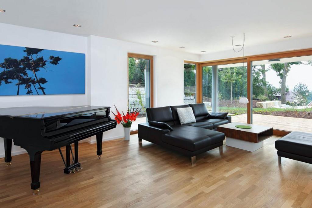 Mit der Wandtemperierung lassen sich auch gezielt Behaglichkeitszonen schaffen, etwa an Sitzecken oder in Bädern. Foto: KS Quadro